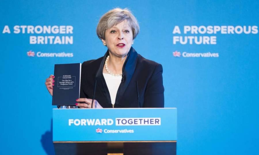 Angleterre les « conservateurs » entendent imposer un étroit contrôle étatique à InternetThérésa-May-présentant-le-programme-de-son-parti-pour-les-élections-de-2017