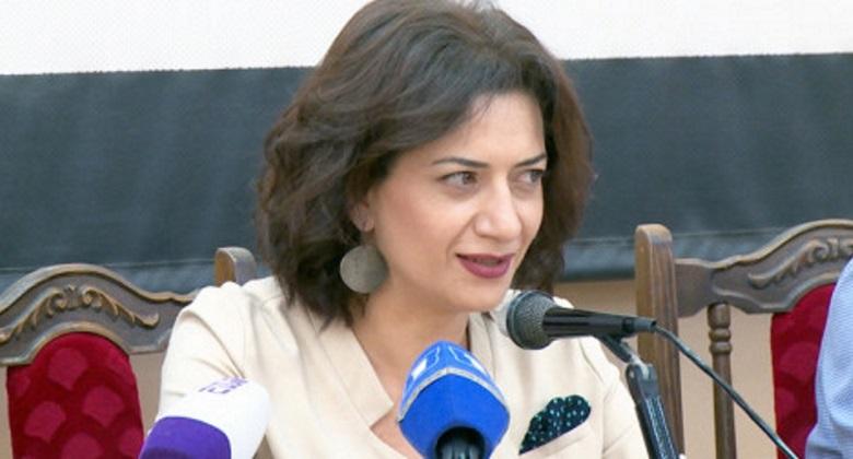 armenie Lors de sa visite à Moscou, l'épouse du Premier ministre arménien Nikol Pachinian, Mme Anna Hakobyan, a visité la Galerie d'État Tretyakov le 24 juillet.arton881