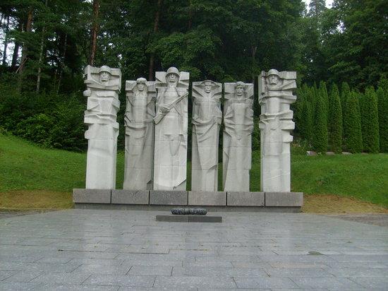 lituanie Au Nord de la ville, le cimetière d'Antakalnis