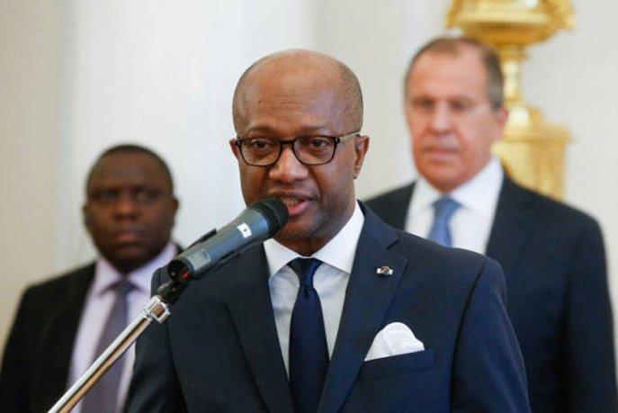 MADAGASCAR Le Ministre des Affaires étrangères de Madagascar Eloi Maxime Dovo 5b6184b73b0fb