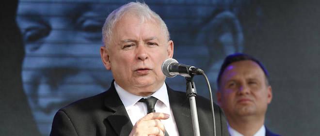 POLOGNE Le president du parti ultraconservateur PiS, Jaroslaw Kaczynski, frere jumeau de l'ancien 17403091lpw-17403934-article-kaczynski-duda-jpg_5666037_660x281