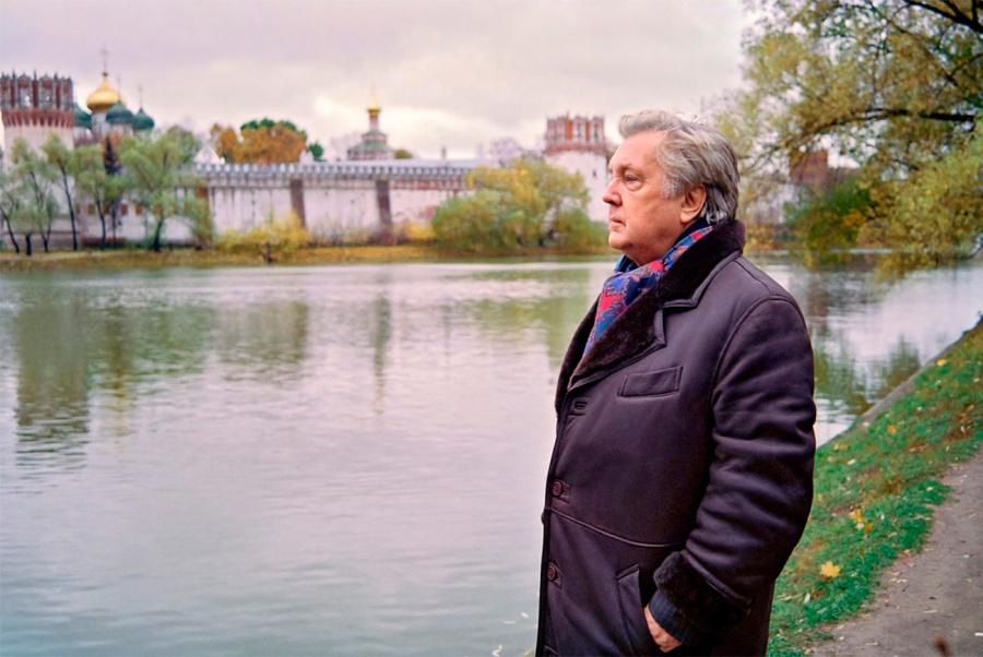 russie peintre Ilya Glazounov devint célèbre pendant la période de la perestroïka avec ses toiles troublantes et patriotiques.2006-__
