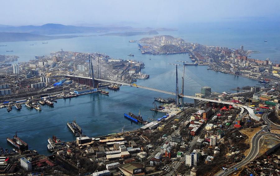 RUSSIE Vladivostok bénéficiera du statut de port franc pour les 70 années à venir, stipule une loi adoptée en troisième et dernière lecture par la Douma d_État, le 6 juillet.20