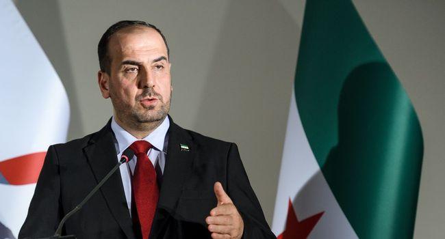 SYRIE Le représentant de l'opposition syrienne Nasr al-Hariri lors d'une conférence 065364b43a1939eca5fe141d90eb7cab4a02c6af