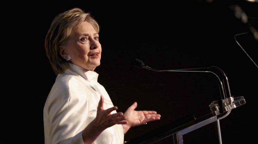 usa Hillary Clinton, qui a comparé l'ingérence russe 13523173