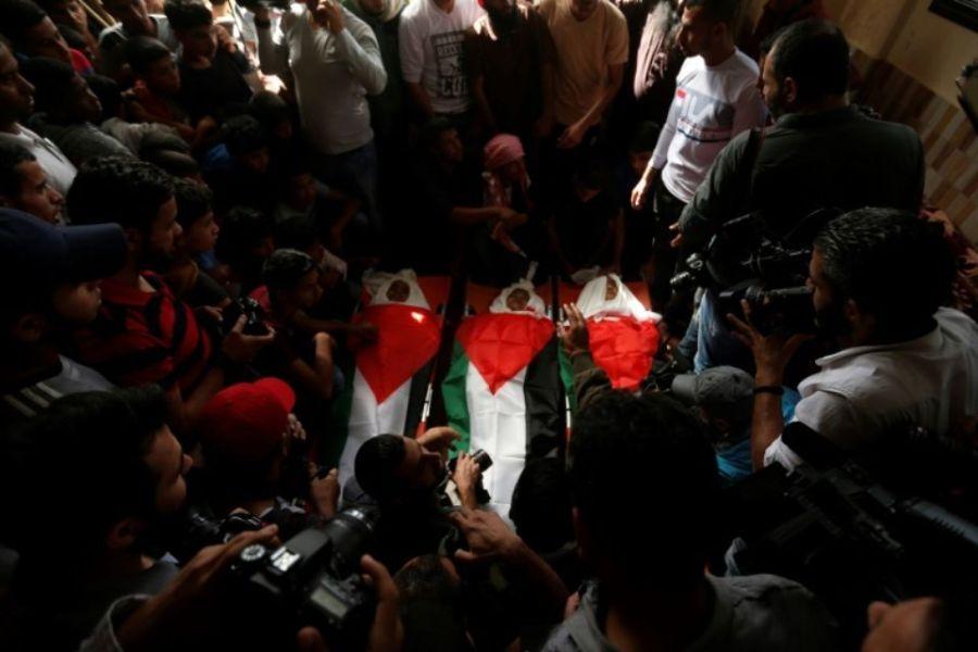 1168247-funerailles-PALESTINE GAZA de-trois-adolescents-tues-dans-une-frappe-aerienne-de-l-armee-israelienne-sur-la-bande-d