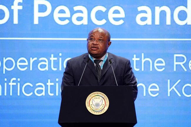 Discours-de-S.-E.-Mohamed-El-AminCOMORES Le Ministre comorien des Affaires étrangères et de la Coopération internationale Mohamed el-Amine Souefe