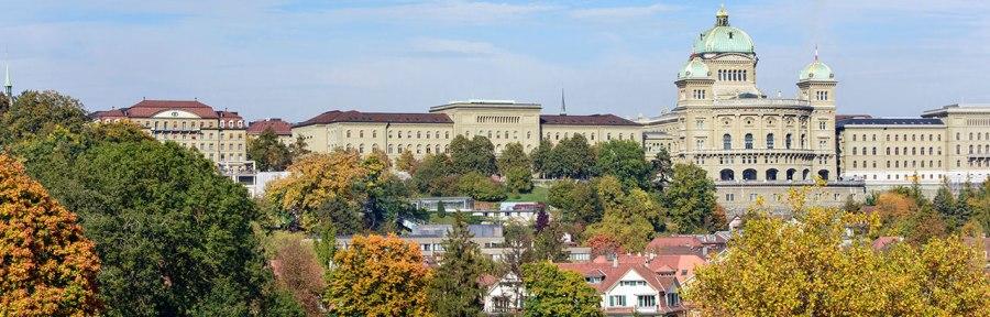 SUISSE parlamentsgebaeude-suedfassade-herbst-2017-01