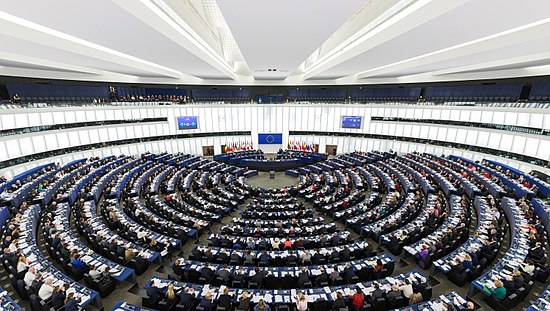 UE 550px-European_Parliament_Strasbourg_Hemicycle_-_Diliff