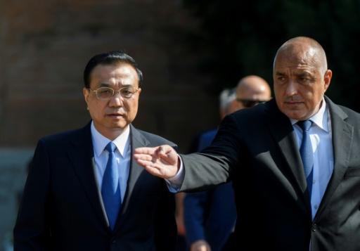 CHINE UE Le Premier ministre chinois Li Keqiang (g) et son homologue bulgare Boïko Borissov, le 6 juillet 2018 à Sofia (AFP-Nikolay DOYCHINOV) c0f5206474a055f100d4e4a94291423687376d8a