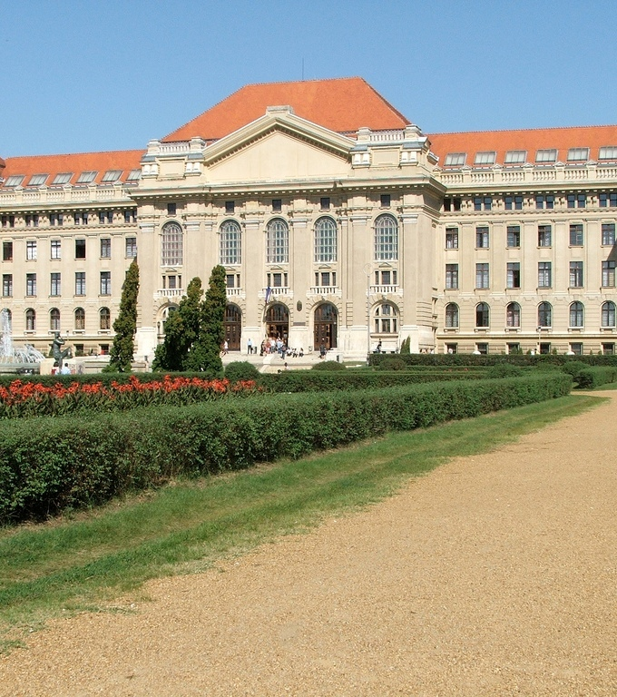 HONGRIE batiment-de-l-universite-de-debrecen-credits-photo-dustpuppy-flickr_299edc31d204638405199d6698e8f86970144ec2