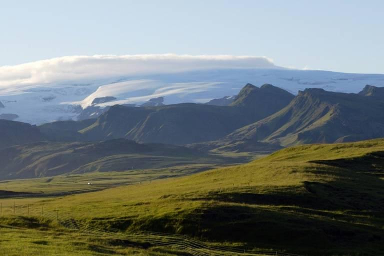 Sur cette petite île où vivent 355.000 personnes, l'idiome barbare rend le nom des volcans imprononçable pour les non-initiés ( AFP-Archives- MARCEL MOCHET )0c8085c4b96abeaf6179e4e86