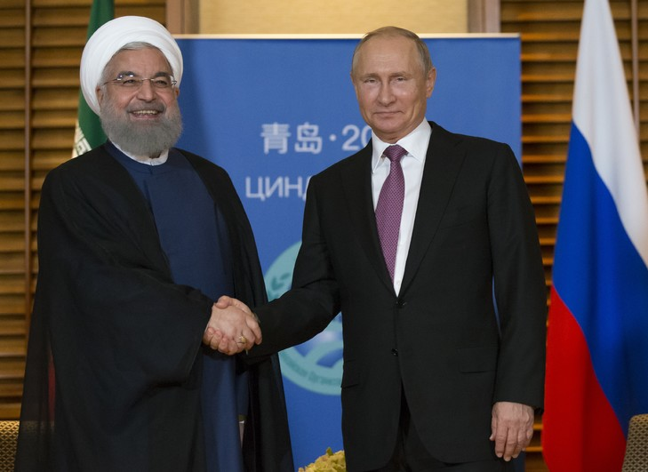 iran russie presidents-iranien-hassan-rohani-russe-vladimir-poutined-rencontre-occasion-sommet-ocs-9-2018-qingdao-chine_0_729_531
