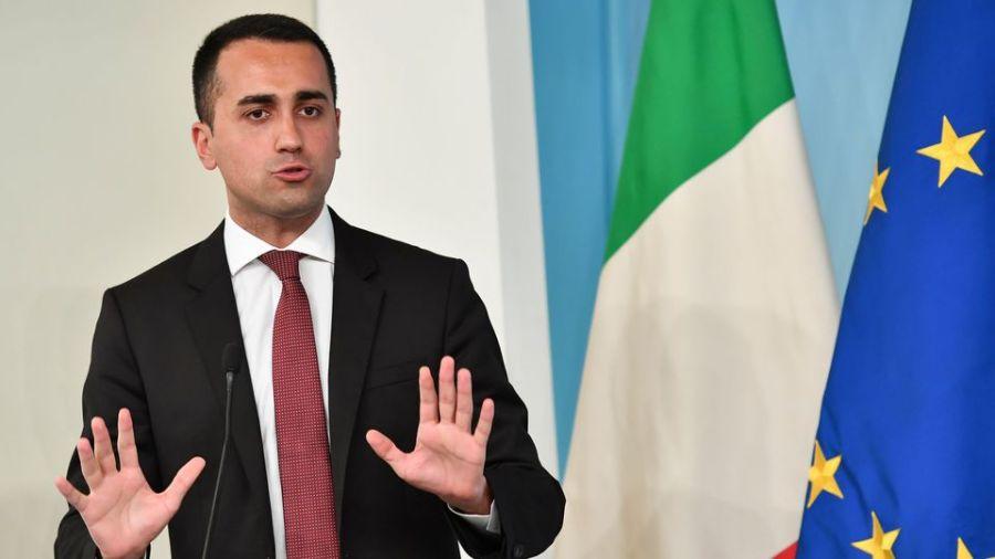italie le leader de cinque stelle (m5s) qu'est di maio le-vice-premier-ministre-italien-luigi-di-maio-leader-du-mouvement-5-etoiles_6087869