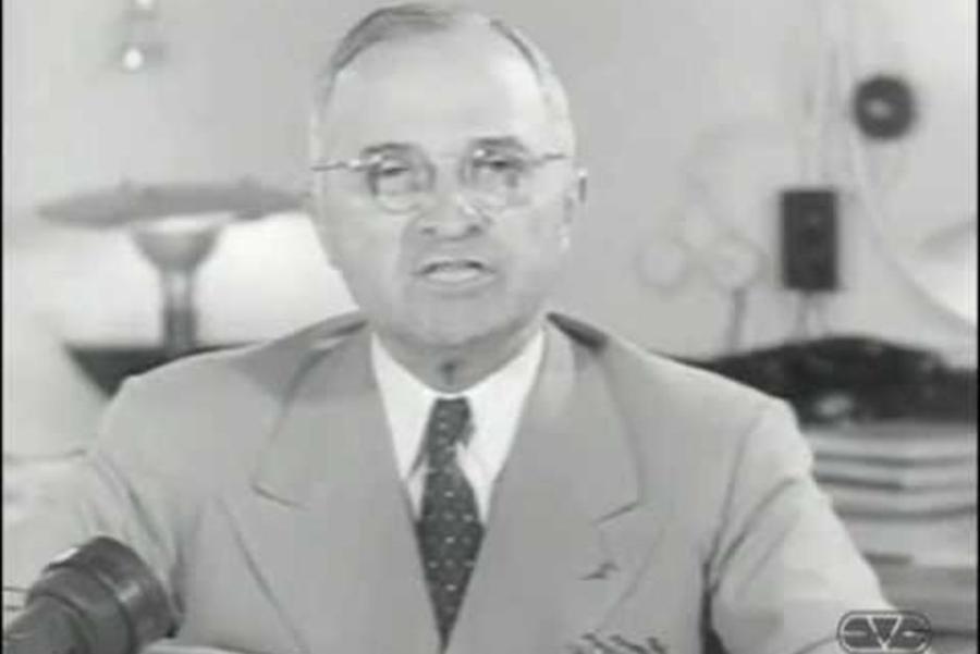 usa 1945 le président truman annonce le bombardement d'hiroshima aux américains fn_ujj9obds