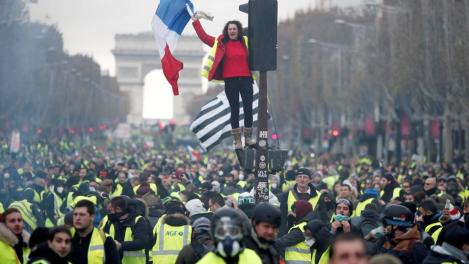 france mouvement des Gilets jaunes 2018-11-24t104817z_1444379157_rc1fd153ce40_rtrmadp_3_france-protests-8_0