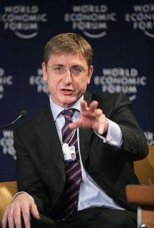 hongrie Gyurcsány [Premier ministre hongrois de 2004 à 2009, socialiste-libéral, ndlr].220px-Ferenc_Gyurcsány,_Davos_2 Gyurcsány [Premier ministre hongrois de 2004 à 2009, socialiste-libéral, ndlr].