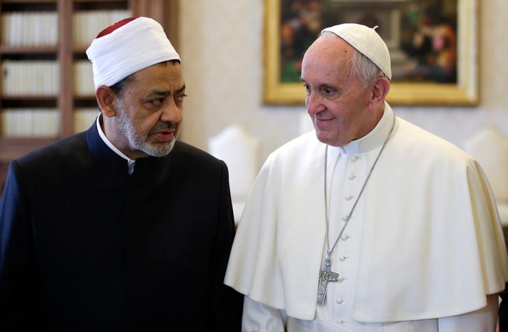 Le-pape-Francois-recoit-imam-Al-Azhar-Vatican-23-2016_0_730_475