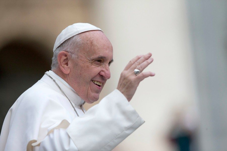 Pape François 16153293651426_0_1399_933