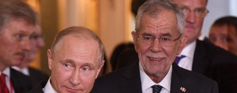 AUTRICHE RUSSIE Le président russe, Vladimir Poutine, avec son homologue autrichien Alexander Van Der Bellen, Vienne, juin 2018.file70gutxod3rb1dnal9n8h