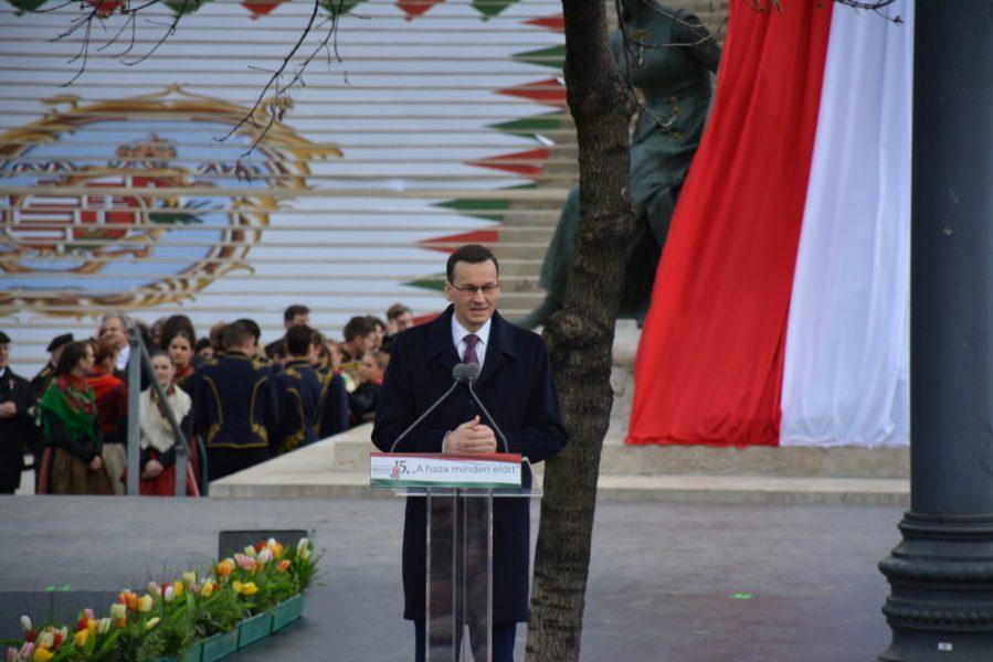 budapest 2 Le Premier ministre polonais Mateusz Morawiecki durant son discours à Budapest, le 15 mars 2019. DSC_0166-990x660