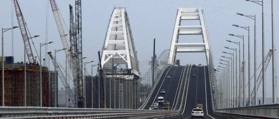 CRIMEE Long de 18 kilomètres, ce pont relie désormais Kertch à la péninsule russe de Taman 61722.HR