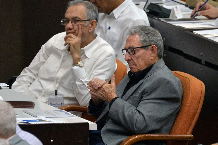 CUBA Le président Miguel Diaz-Canel (gauche) et Raul Castro (droite), ccd5970a60fe1a7d4cc2490153b3f3a1e641fbf4_0_728_485