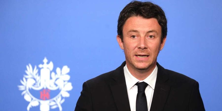 FRANCE Decision-sur-un-possible-referendum-vraisemblablement-apres-le-grand-debat-indique-Benjamin-Griveaux