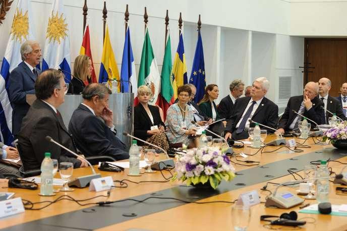 URUGUAY-VENEZUELA-MEETING