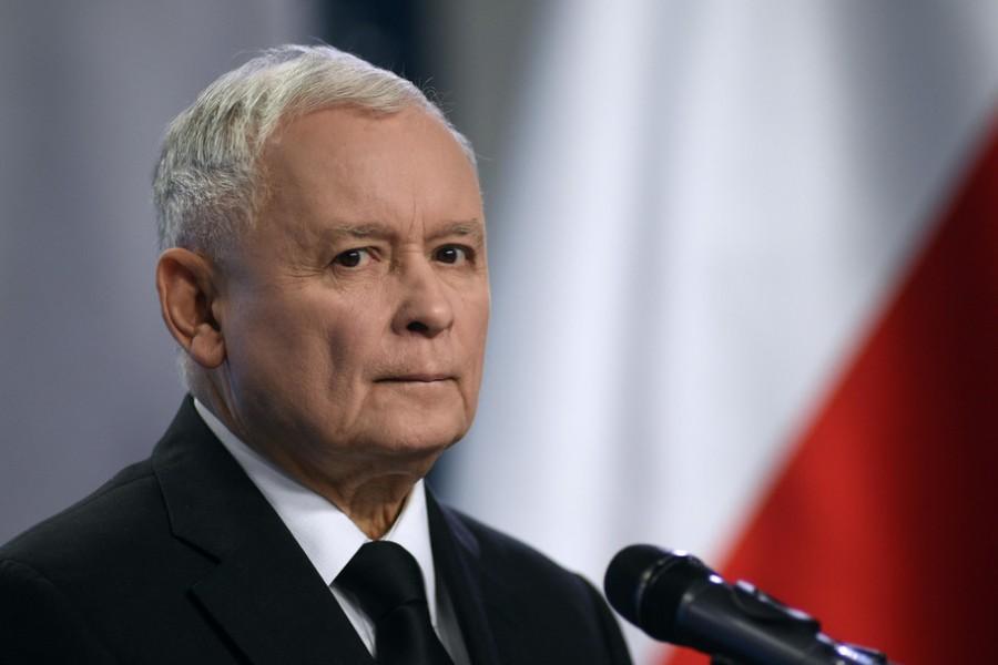 POLOGNE Jarosław Kaczyński, ieqktkqTURBXy9jNTJlZTU3MzExY2QwMGY2ZmVhNjc5ZTQ3M2RiMzdmMC5qcGVnkpUDAADNErHNCoSTBc0Djs0CXw