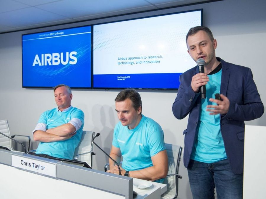 UE AIRBUS Paul Eremenko, ancien directeur technique d'Airbus (à droite)cover-r4x3w1000-5a20360a2b092-airbus-hightech-press-conference-day6-pas2017-123