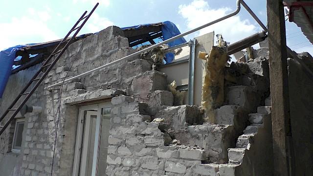 UKRAINE .. l'armée ukrainienne s'acharne particulièrement sur deux points de la ligne de front - la périphérie de Gorlovka, et la station d'épuration de Donetsk.gloubokaya-16052018.640x0-is