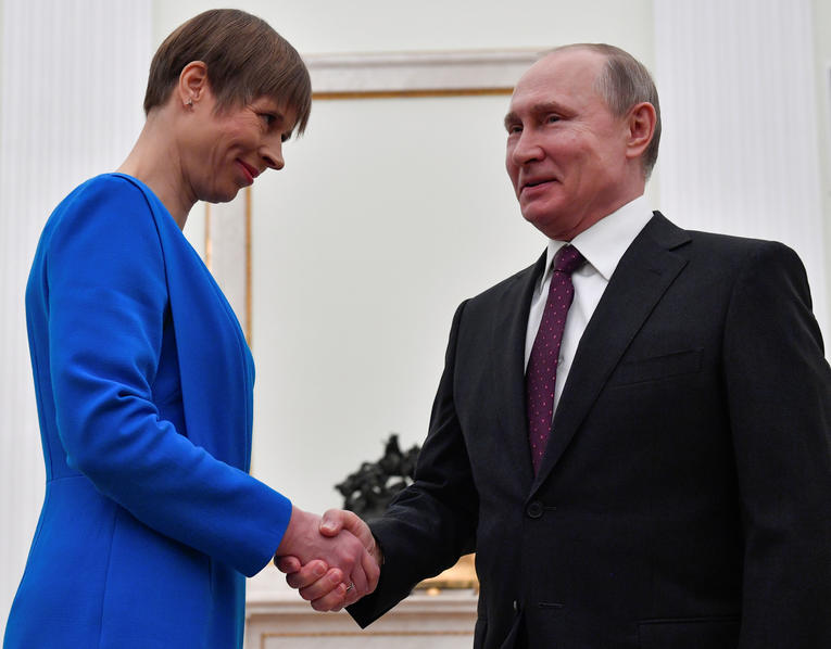 ESTONIE Vladimir Poutine reçoit la présidente estonienne Kersti Kaljulaid, au Kremlin le 18 avril 2019. PHOTO. REUTERS . POOLrtx6s8oy