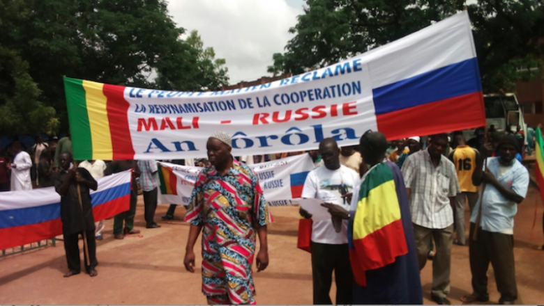 MALI manifestation-foule-intervention-militaire-russie-nord-mali