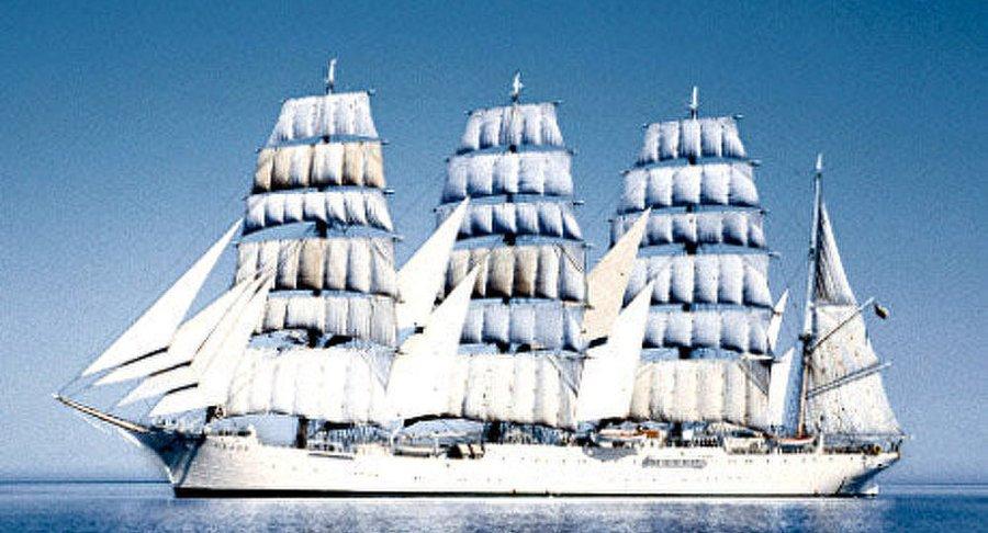 RUSSIE voilier Sedov d'entrer dans les eaux territoriales de l'Estonie1022394693