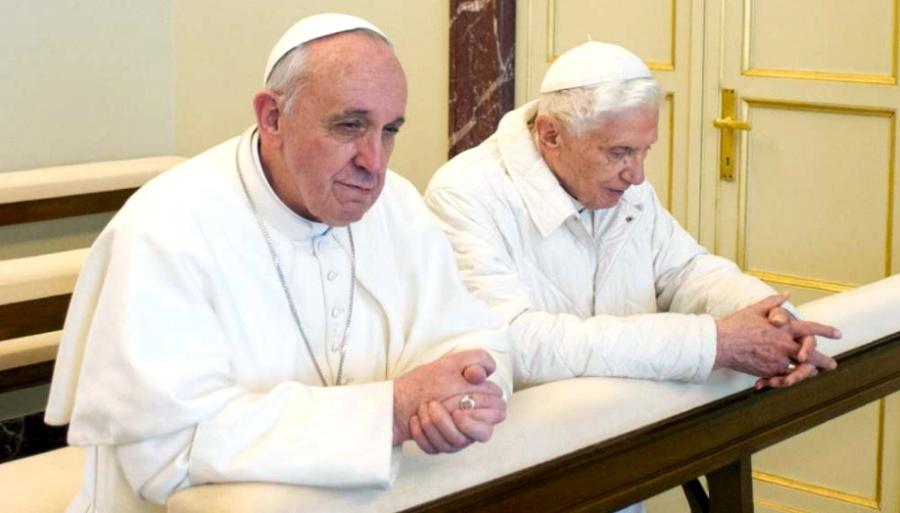 vatican rencontre-entre-pape-francois-et-son-predecesseur-benoit-xvi_1124774_920x612p-1
