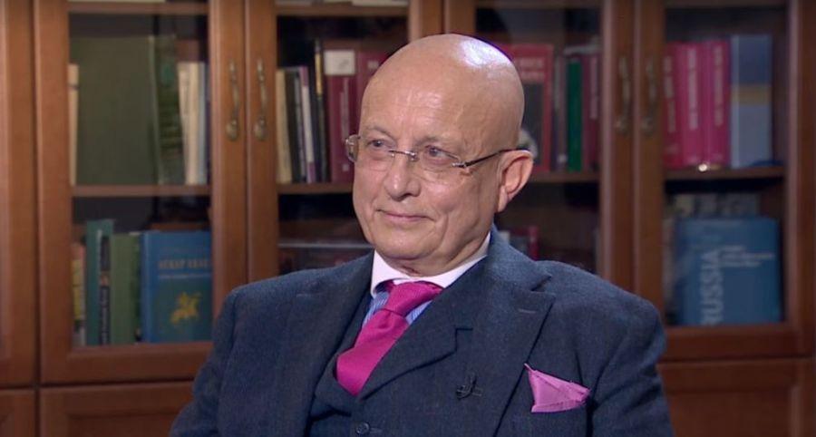 RUSSE Sergueï Karaganov en 2004 1