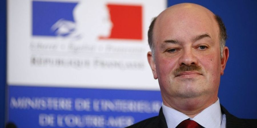 FRANCE Alain-Bauer-prend-du-retrait-pour-ne-pas-gener-Valls