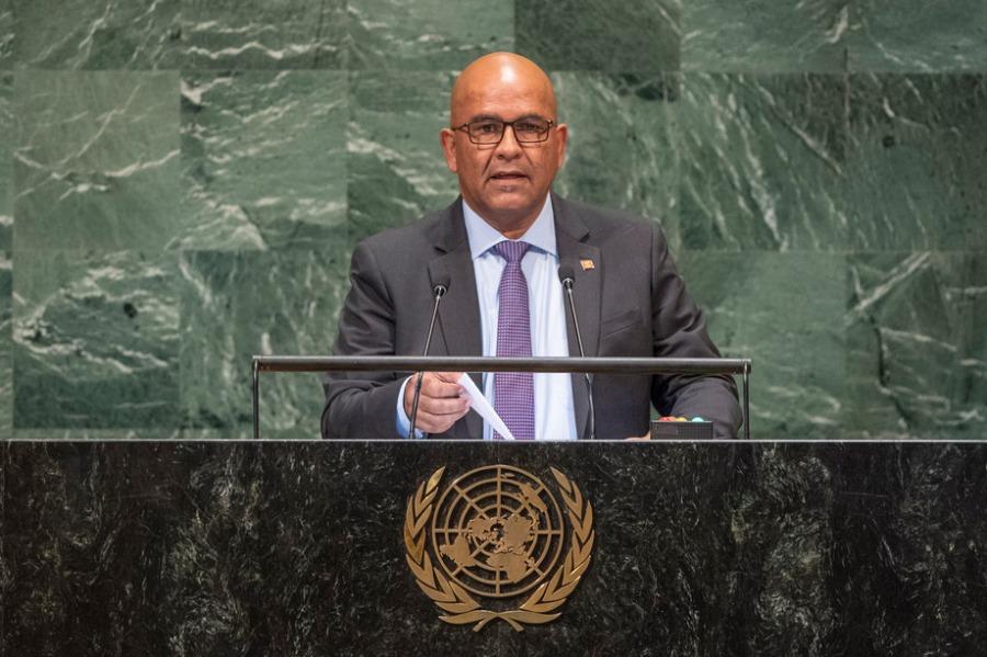 Grenade. S.E. M. Peter David, Ministre des affaires étrangères. 29 septembre 2018.781073