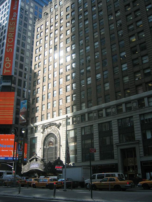 MEDIA la société RM Broadcasting Paramount_Times_Square