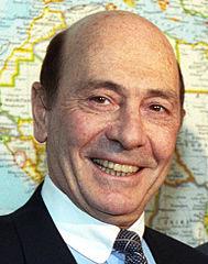 otan M. Werner, alors Secrétaire général de l'OTAN,189px-Manfred_Woerner_1993