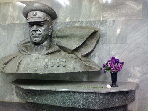ukraine la statue de Gueorgui Joukov à Kharkov.6726110714113449