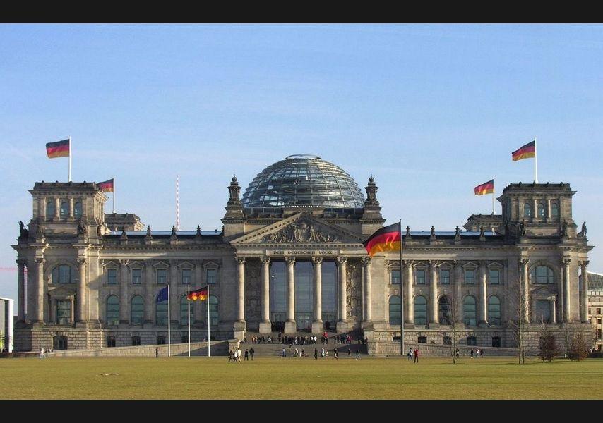 ALLEMAGNE le-gouvernement-allemand-met-50-millions-d-euros-de-cote-pour-le-jeu-video-0e72c408__854_600