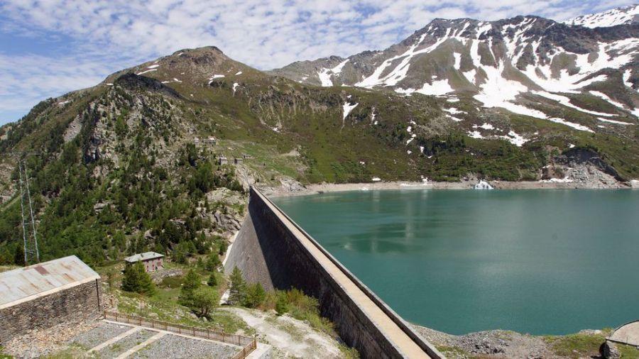 barrage le-barrage-de-bissorte-acheve-en-1938-dans-la-vallee-de-la-maurienne-en-savoie 6170046.jpg
