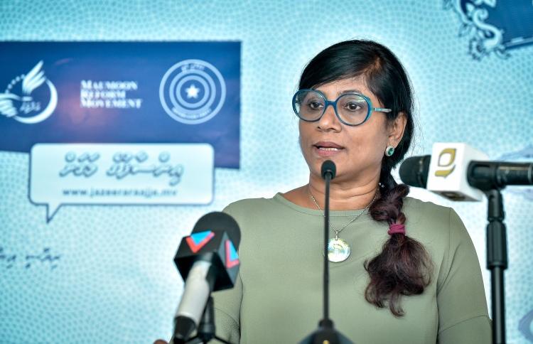MALDIVES la Ministre de la Défense des Maldives Maria Ahmed Didi 201165_3_9ac134e024f6e675ed472fdb67b10d4a4e4a2521_medium