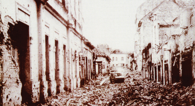 yougoslavie Vukovar n'est plus que ruines et devient la ville la plus détruite d'Europe après la Deuxième Guerre mondiale (novembre 1991) ..OS_1268