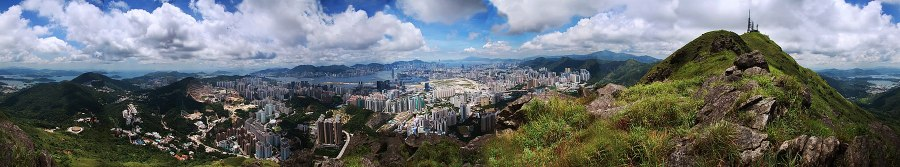 Hong Kong 1800px-View_from_Kowloon_Peak
