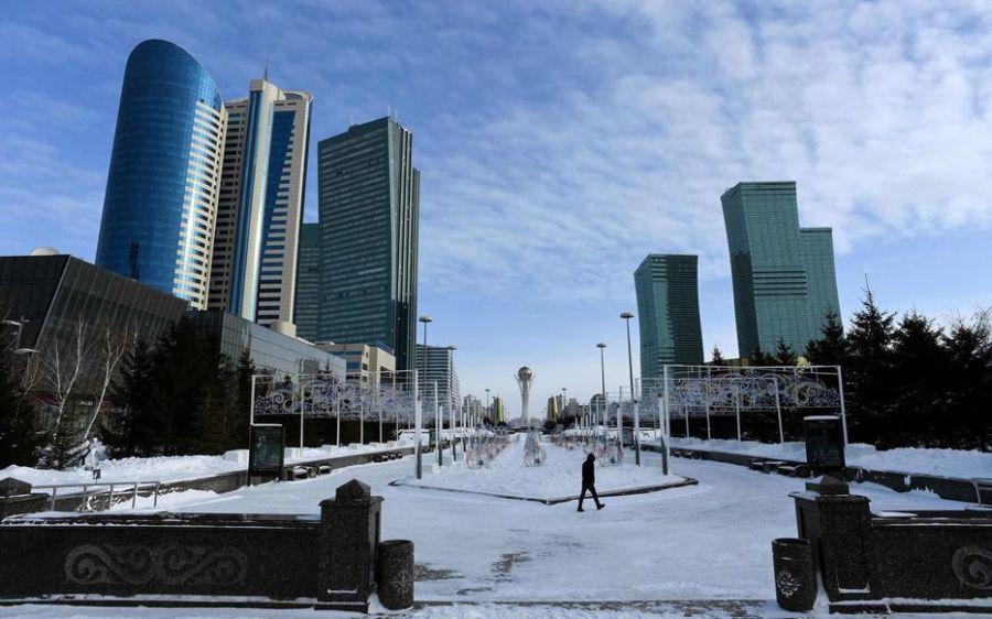 KAZAKSTAN Désormais, il ne faudra plus dire «Astana» («capitale», en kazakh), mais «Noursoultan», qui par un heureux hasard signifie en arabe «Lumière du sultan».ZN3JSLP3A5MKJTHXBTMDXSBYCE