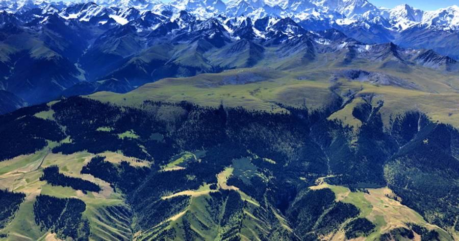 Les montagnes de Tian Shan site_1414_0001-1200-630-20130528120349