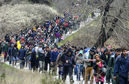 MIGRANTS colonne_migrants-448x293